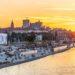nella foto il fiume Vistola di Varsavia, al secondo piano la Citta` Vecchia
