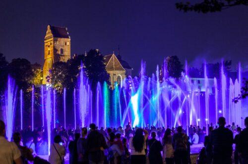 Lo spettacolo delle fontane al Parco Multimediale delle Fontane